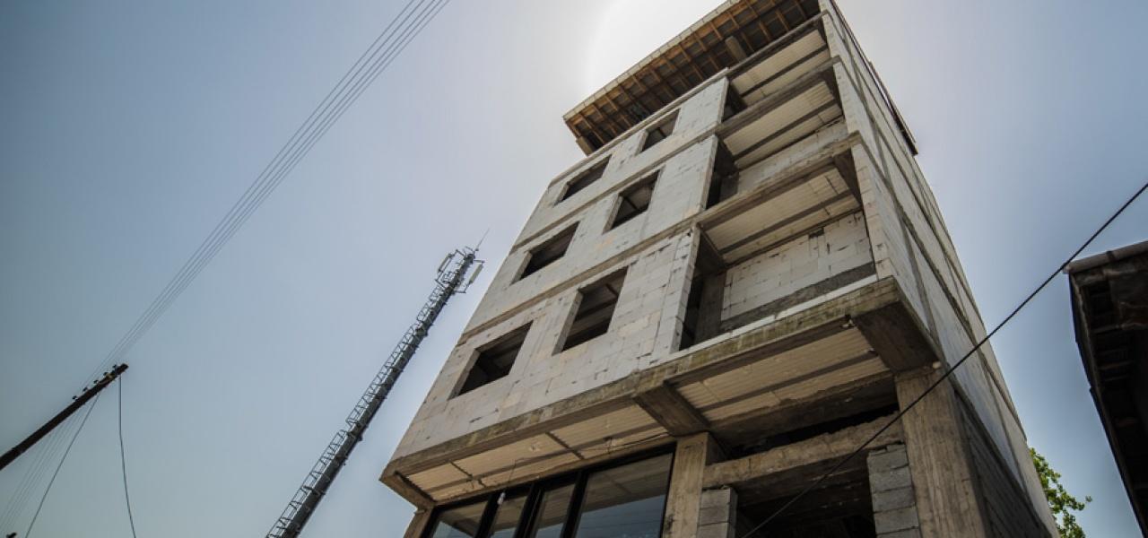 ساختمان تجاری مسکونی پره سر
